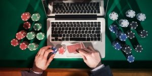 Reinvent Online Gambling Without Looking Like An Beginner